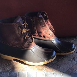 Sperry Saltwater rain boots  tan/ do brown boots